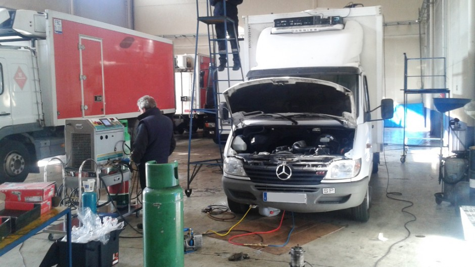 Cleaning of refrigeration systems in road transports in Madrid